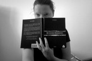 "Autorin Kati Ruhl liest ""Bittersüßes Vermächtnis"" von C.R. Forster © Kati Ruhl"